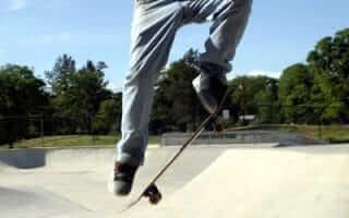 10' longboard Kickflip