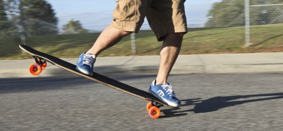 Steps To Perform Manual On A Longboard - longboardbrand.com