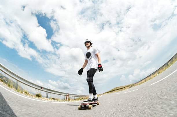 guide skateboarding