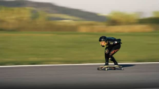 What Creates a Fast Electric Skateboard?
