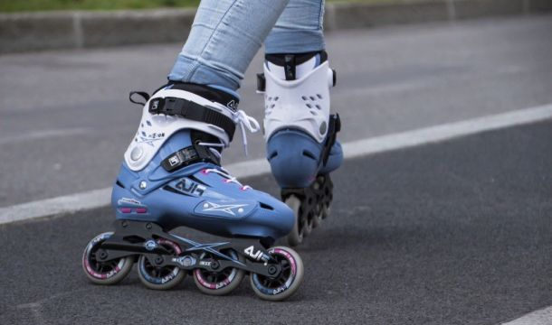 How To Stop In Roller Skating